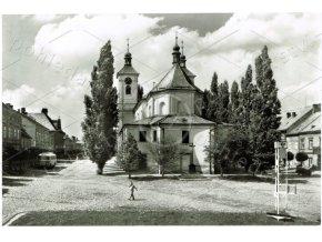 CHRAST - okres Chrudim, náměstí, Foto F. Kubík, Orbis VF, autobus, ČB foto